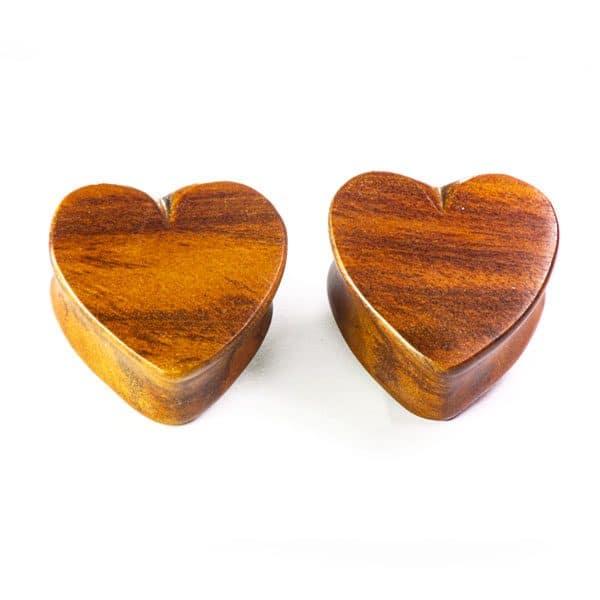 alargador madeira coraçao preenchido, no material madeira.